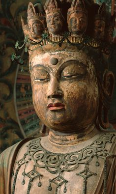 国宝 「十一面観音菩薩立像」(平安時代) Buddha Buddhism, Tibetan Buddhism, Buddhist Art, Asian Sculptures, Buddhist Philosophy, Spiritual Images, China Art, Guanyin, Art Sketchbook