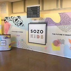 Now this looks like a place that my kids would love to be at ☀️☀️ nothing changes the theme of a room quite like a twenty foot fabric pop up display! Kids Church Decor, Kids Church Rooms, Church Nursery, Church Ideas, Church Decorations, Church Interior Design, Church Graphic Design, Church Stage Design, Info Board