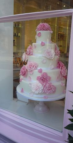 Rose Cake: Peggy Porschen by curry15, via Flickr
