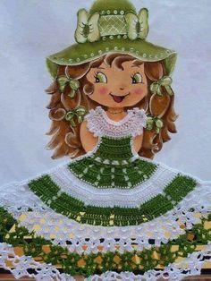 Boneca com vestido de crochê