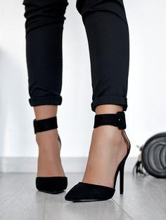 Step To It Black Heels Stiletto Heels, Shoes Heels, Black Heels, Wattpad, My Style, Fashion, Moda, Fashion Styles