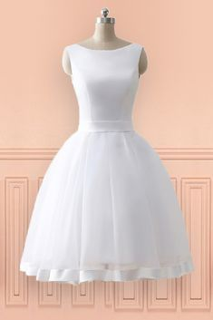 Cheap Knee Length Simple Beach Wedding Dress With Open Bow Back 2018 E7966 Gemgrace Com In 2020 Simple Wedding Dress Beach Tea Length Wedding Dress Beach Wedding Dress