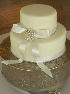 2 tier white wedding cake