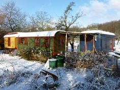 Bauwagen-Zirkuswagen-Ferienhaus-oekologisch-isoliert-nach-Wunsch-ausgebaut