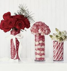 Beautiful Christmas Centerpieces using candy and flowers in Christmas