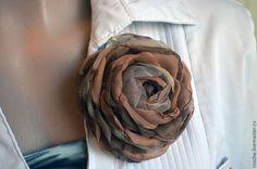Купить Брошь. Какао со сливками. - бежевый, брошь, брошь цветок, брошка, брошь из ткани