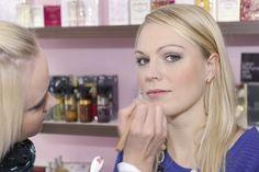Natürliches Make up , immer ein Thema bei Beauty and Care.. In Schminkseminaren  leicht erlernbar 5 Minuten Make up für jeden Tag !!