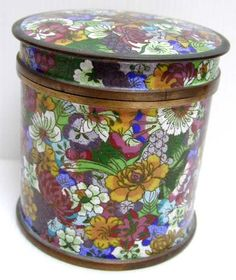 1900 Thousand Flower Chinese Cloisonne Canister Box: fleurclois: Removed Vintage Tins, Canisters, Vintage Jewelry, Decorative Boxes, Jewelry Accessories, Old Things, Chinese, Shapes, Metal