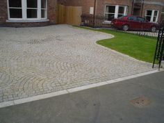 Silver Grey Granite Setts 7/9's in a driveway 80x80x80 Cropped