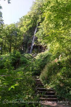 Uracher Wasserfall. Wandertouren Bad Urach