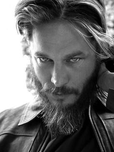 Travis Fimmel Travis Fimmel Travis Fimmel<br> More memes, funny videos and pics on Vikings Travis Fimmel, Ragnar Vikings, Travis Vikings, King Ragnar, Roi Ragnar, Viking Men, Viking Life, Portrait Photography Tips, Leave In