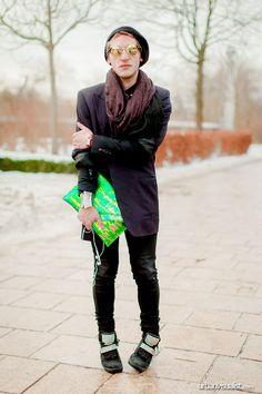 Tibo at the Amsterdam Fashion Week - [ Street Style ] #fashion #streetfashion #streetstyle #menswear  See original post on www.urbanvisualist.com Amsterdam Street Style, Amsterdam Fashion, Street Fashion, Fashion Art, Mens Fashion, Hipster, Menswear, Urban, Urban Fashion