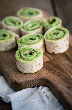 5 x wrap hapjes | groene wrap hapjes | The answer is food