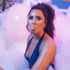 How Demi Lovato is living her best life after rehab – Celebrities Female Demi Lovato Pictures, Female Singers, Celebrity Crush, Celebrity Singers, Woman Crush, Victoria, Girl Crushes, Role Models, My Idol