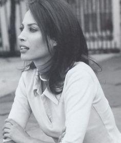 Christy Turlinnton - UK Vogue July 2000