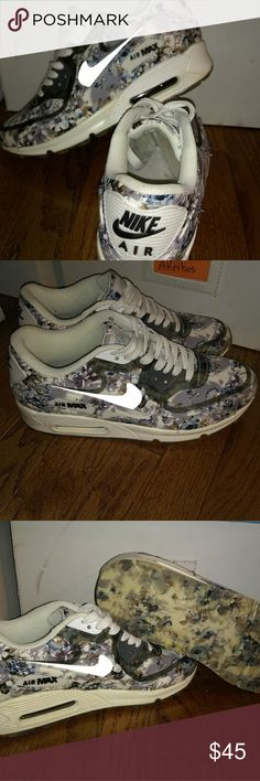 cheap for discount 8c033 34e05 Women Nike Air Max Floral Design Worn Once. No flaws. Women Size  8.5