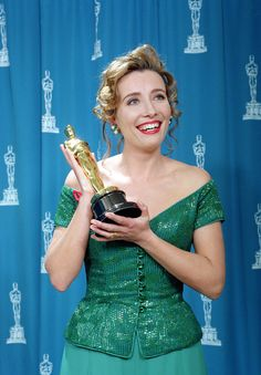 """Academy Awards® ~ Emma Thompson with her Best Actress Oscar® for her performance in """"Howards End"""" (Won 2 Oscars. Another 49 wins & 76 nominations) Older Actresses, Female Actresses, British Actresses, Actors & Actresses, Academy Award Winners, Oscar Winners, Academy Awards, Emma Thompson, Harry Winston"""