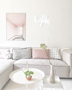 Home decor inspiration, living room inspiration, pink living rooms, living Tiny Living Rooms, Home Living Room, Small Rooms, Room Interior, Interior Design, Interior Decorating, Interior Stylist, Decorating Blogs, Pastel Interior