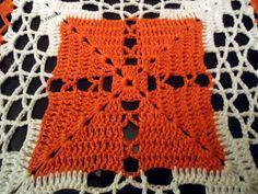 Esta tolha de crochê foi presente da CILA, não é linda?      É FEITA DE SQUARES      Tirei uma foto bem de perto, para quem quiser copiar ...