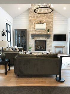 Modern Living Room with White Shiplap and Stone Fireplace and Black Windows Stone Fireplace Wall, Living Room Decor Fireplace, Fireplace Mantles, Stone Fireplaces, Foyers, Vintage Modern Living Room, White Shiplap, Black Rooms, Tonne