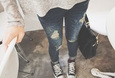 I just love converse. Cus I can dress up in them, or dress down in them. Either way, they are perfect♡