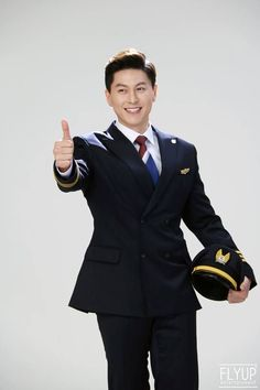 """Ryu Soo Young ♥️😍 Watch him in """"Good Witch"""" 2018 Korean Drama 😊😊 Park Sung Woong, Kdrama Actors, Sooyoung, Korean Actors, Korean Drama, Singing, Daddy, Suit Jacket, Film"""