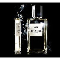 1932 от Chanel #Chanel  Название аромата – год выхода первой ювелирной коллекции несравненной Коко Шанель.  Несмотря на начальные, терпкие нотки, он получился удивительно теплым, торжественным, праздничным, как и все шедевры этой марки. При первом вдохе явственно слыш�