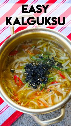 The recipe I'm about to share today is EASY Kalguksu! Kalguksu is Korean style handmade, knife cut noodles. But now days, even it's not made from scratch Korean Soup Recipes, Asian Recipes, Vegetarian Recipes, Healthy Recipes, Ethnic Recipes, Asian Desserts, Healthy Food, Korean Dishes, Korean Food