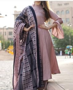Best Trendy Outfits Part 14 Indian Fashion Dresses, Dress Indian Style, Pakistani Dresses, Indian Wear, Indian Outfits, Hijab Fashion, Fashion Outfits, Stylish Dress Designs, Designs For Dresses
