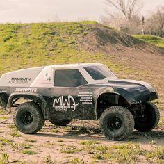(21) Fancy - Mammuth Rewarron R/C Car