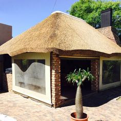 Building your own thatched lapa will reduce the cost of erecting a lapa substantially