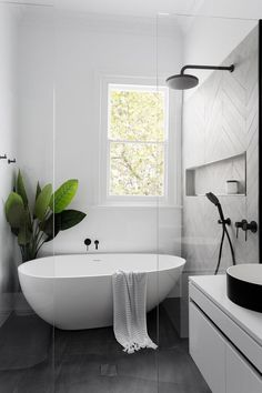 Home Interior Decoration Modern Scandinavian bathroom interior in black and white.Home Interior Decoration Modern Scandinavian bathroom interior in black and white Wet Rooms, Modern Farmhouse Bathroom, Farmhouse Design, Farmhouse Decor, Farmhouse Style, Modern Bathtub, Farmhouse Remodel, Farmhouse Windows, Kitchen Modern