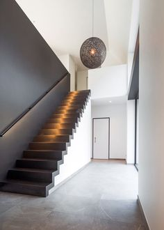 Small Staircase, Staircase Railings, Modern Staircase, Staircase Design, Stairs, Stair Lighting, Stair Steps, Interior Decorating, Dreams