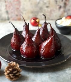 Mulled Wine Poached Pears by Nadia Lim Mulled Wine Poached Pears are the perfect festive dessert – smelling irresistible, tasting superb and I just love how wickedly easy they are to put together Just Desserts, Dessert Recipes, Meringue Desserts, Mexican Desserts, Vegan Desserts, Cobbler, Wine Poached Pears, Spiced Wine, Mulled Wine