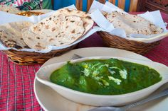 Palak paneer is a north Indian main course dish. This dish is devoured with rice, pulao, naan, and roti. it's cooked with spices on low heat. Paneer Recipes, Indian Food Recipes, Vegetarian Recipes, Ethnic Recipes, Great Recipes, Favorite Recipes, Easy Recipes, Indian Cheese, Main Course Dishes