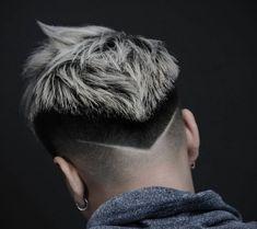 Hair cuts Men hair color Mens hairstyles Hair and beard styles Haircuts for Mens Haircuts Short Hair, Cool Hairstyles For Men, Trendy Haircuts, Hairstyles Haircuts, Barber Haircuts, Medium Hair Cuts, Short Hair Cuts, Curly Short, Haare Tattoo Designs