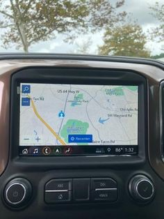 An in-car navigation process is a helpful tool that offers you turn-by-turn driving directions to a destination. Learning how to utilize the navigation system can help save you time and will get you to where you are going without getting lost. Navman update New Ford Mustang, Ford Mustang Convertible, Gmc Vehicles, System Map, Honda Jazz, Head Up Display, Daihatsu, Volkswagen Jetta, Car Brands