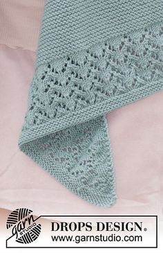 """Diandra / DROPS - Free knitting patterns by DROPS Design """"Diandra"""" – diagonal rectangle cloth by DROPS Design. Free instructions (in many different langua Baby Knitting Patterns, Lace Patterns, Lace Knitting, Knitting Stitches, Knit Crochet, Crochet Patterns, Knitting Socks, Drops Design, Knitted Shawls"""