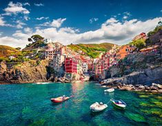 Cinque Terre is one of the most unique landscapes in the world, and it can be visited on a day trip from Florence to Cinque Terre. Here's how.