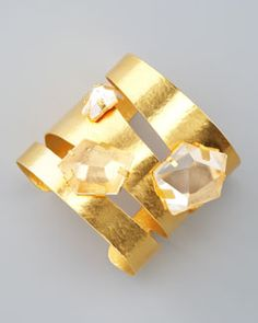 Herve Van Der Straeten Rock Crystal Gold Cuff but I would rather it be a ring Gold Plated Bracelets, Metal Bracelets, Cuff Bracelets, Van Der Straeten, Brass Jewelry, Jewelry Accessories, Jewelry Design, Mode Glamour, Bracelet Designs