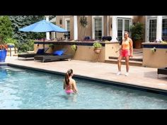 How to Do a Water Aerobics Twist | Water Aerobic Exercise
