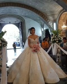 Atemberaubende Ballkleid Brautkleider wedding dress wedding dress ball gown wedding dress vintage we Wedding Dress Prices, Popular Wedding Dresses, Top Wedding Dresses, Luxury Wedding Dress, Wedding Dress Trends, Princess Wedding Dresses, Bridal Dresses, Queen Wedding Dress, Beautiful Wedding Gowns