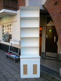 """Boekenkast van mdf wit grondeerfolie """"paneel"""""""