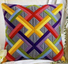 So lovely. I bet I could recreate this pattern and stitch it. Bargello Needlepoint, Bargello Quilts, Broderie Bargello, Bargello Patterns, Needlepoint Pillows, Needlepoint Stitches, Patchwork Pillow, Quilted Pillow, Patchwork Quilting
