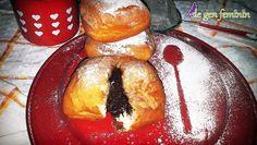 Gogoși pufoase umplute cu ciocolată