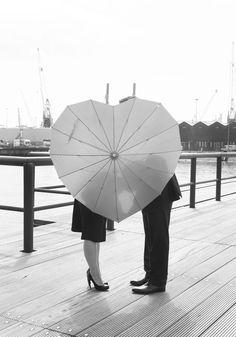Ook leuk als het niet regent! #accessoiresweddingpictures Fashion, Accessories, Moda, Fashion Styles, Fashion Illustrations