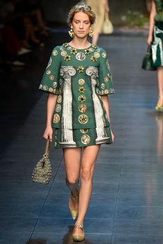 Dolce & Gabbana Spring/Summer 2014 #dolcegabbana #mfw #milanfashionweek #springsummer #fashionweek #2014 #ss14 #fashion #catwalk #runway #fashionshow #model