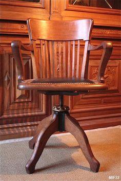 fauteuil de bureau de type am ricain vers 1920 tr s beau pied en arc de cercle pivotant. Black Bedroom Furniture Sets. Home Design Ideas