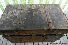 rusted vintage trunk makeover, cleaning tips, painted furniture, painting