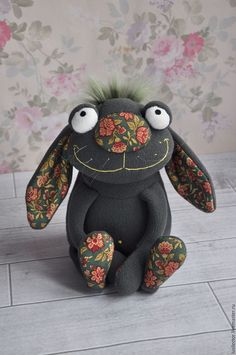 Lessons I've Learned from Sewing Teddy Bears - Sewing Method Кукольный мир: выкройки, одежда, миниатюра Diy Toys Sewing, Sewing Crafts, Sewing Stuffed Animals, Stuffed Animal Patterns, Sock Toys, Felt Toys, Fabric Toys, Fabric Crafts, Monster Dolls